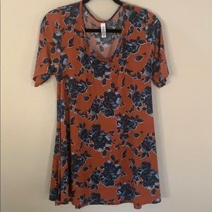 Women's Lularoe floral Perfect T size large